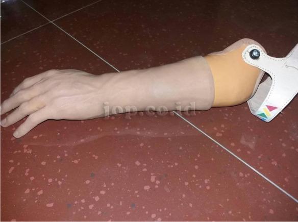 cara membuat tangan palsu terbaik